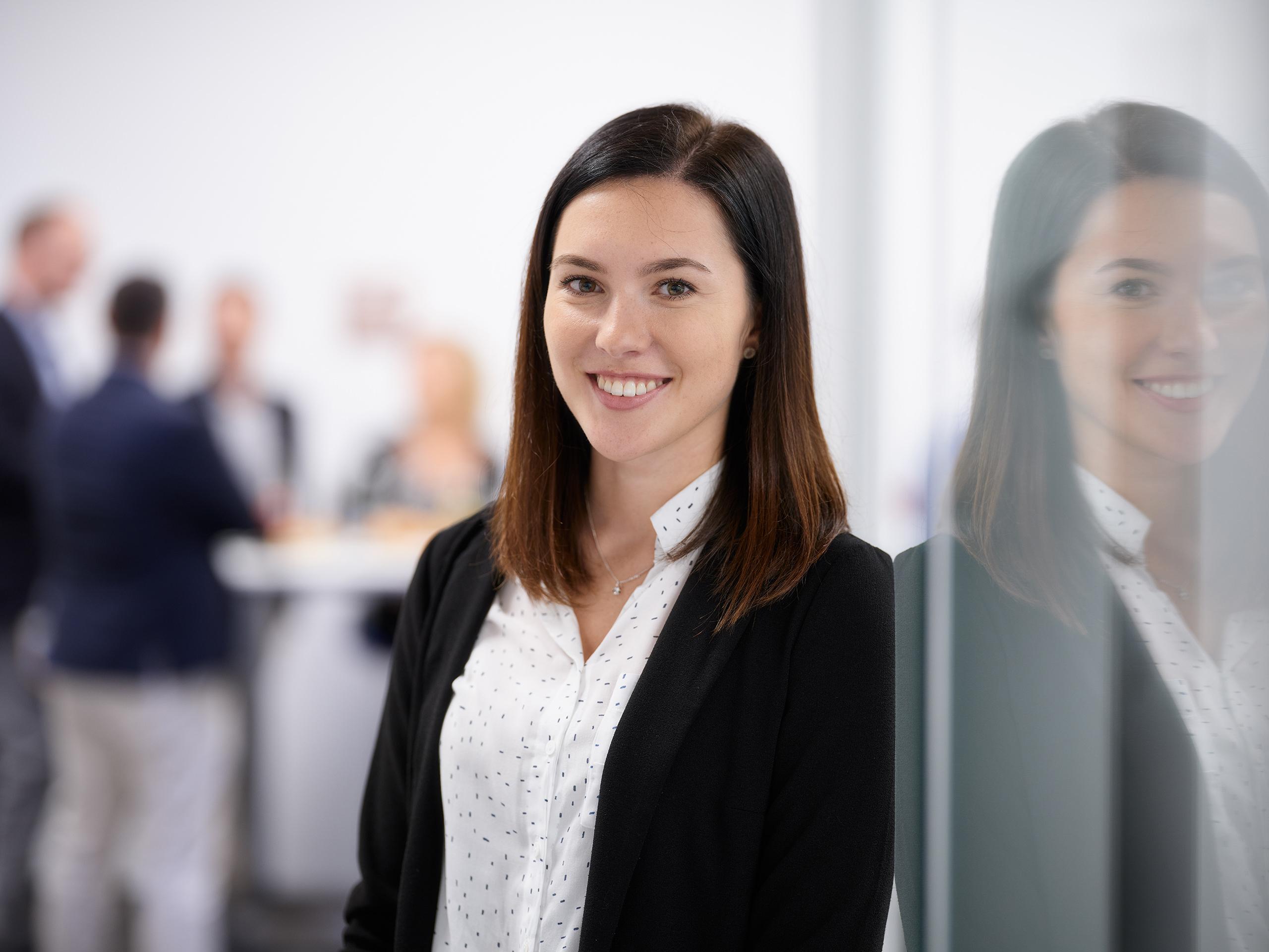 Veronika Ostertag, Bachelor of Arts